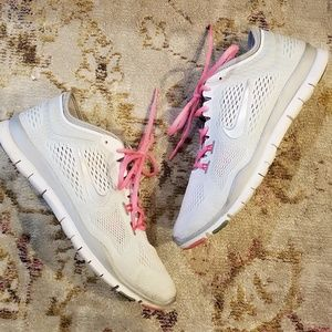 Nike Free 5.0 Sneakers w/ Silver Swish Pink Laces